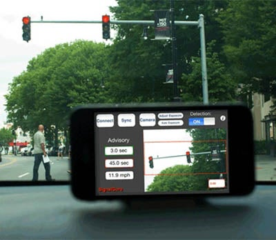 Dashboard-Mounted Smartphones Network Together to Watch for Red Light Patterns, Help Drivers Commute Efficiently