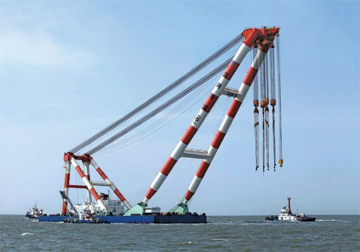 Giant Floating Crane Searching For Clues to Korean Maritime Disaster