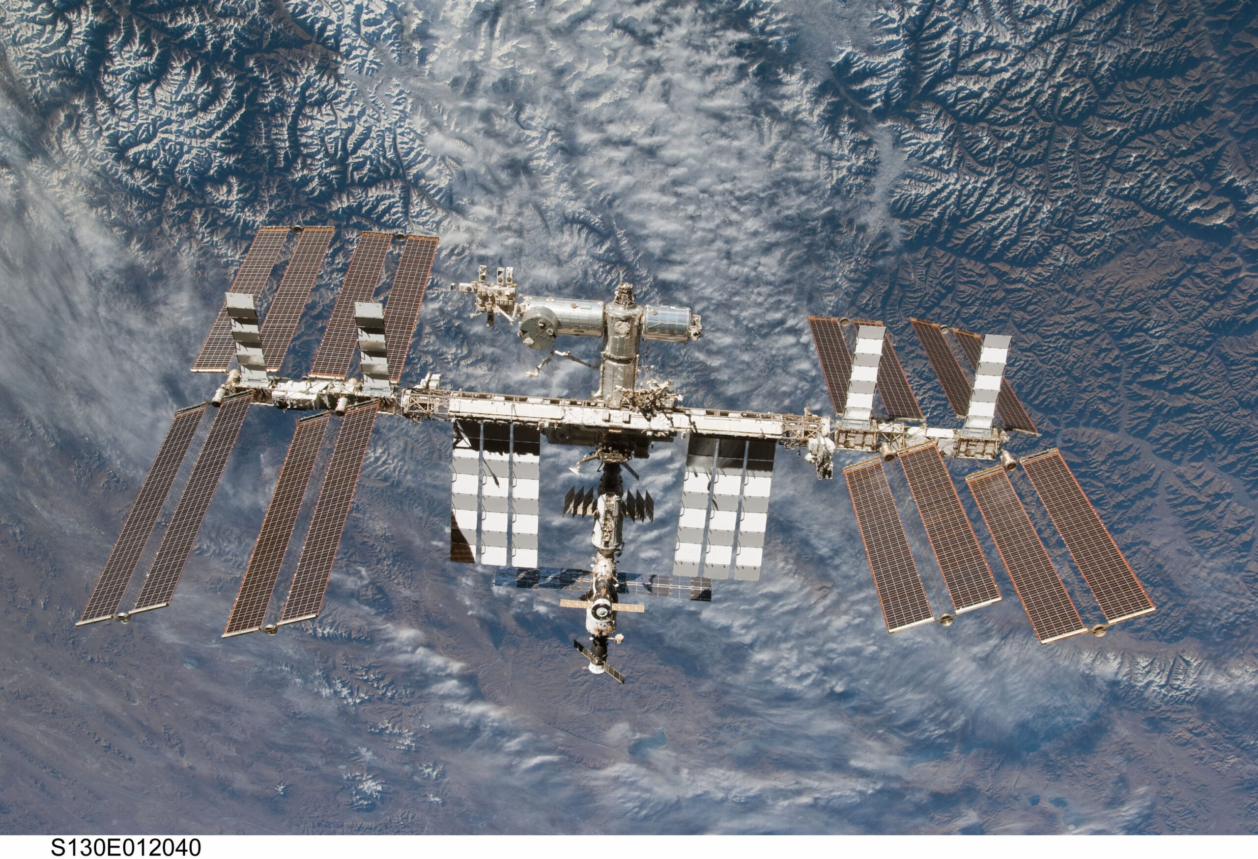 NASA Is Making Parking Spots On The Space Station For Commercial Taxis