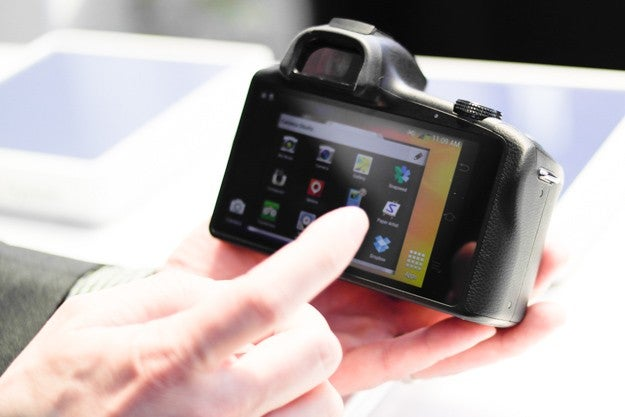Meet The First Interchangeable-Lens Camera With Android
