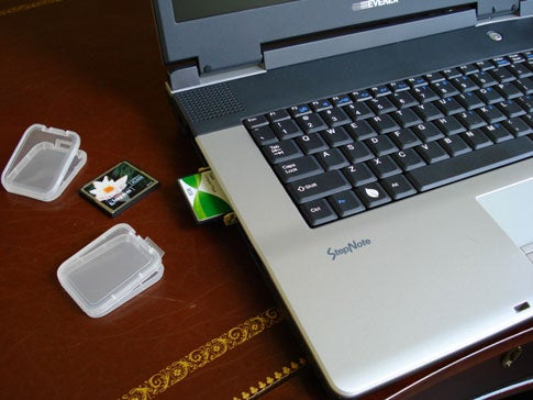 Add a Versatile Compact Flash Boot Drive to an Inexpensive Laptop