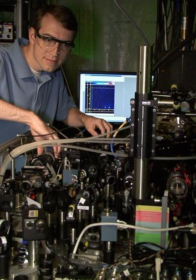 Scientists Test First Universal Programmable Quantum Computer