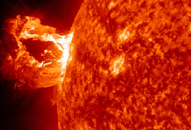 Video: Massive Solar Eruption Expels a Beautiful Prominence