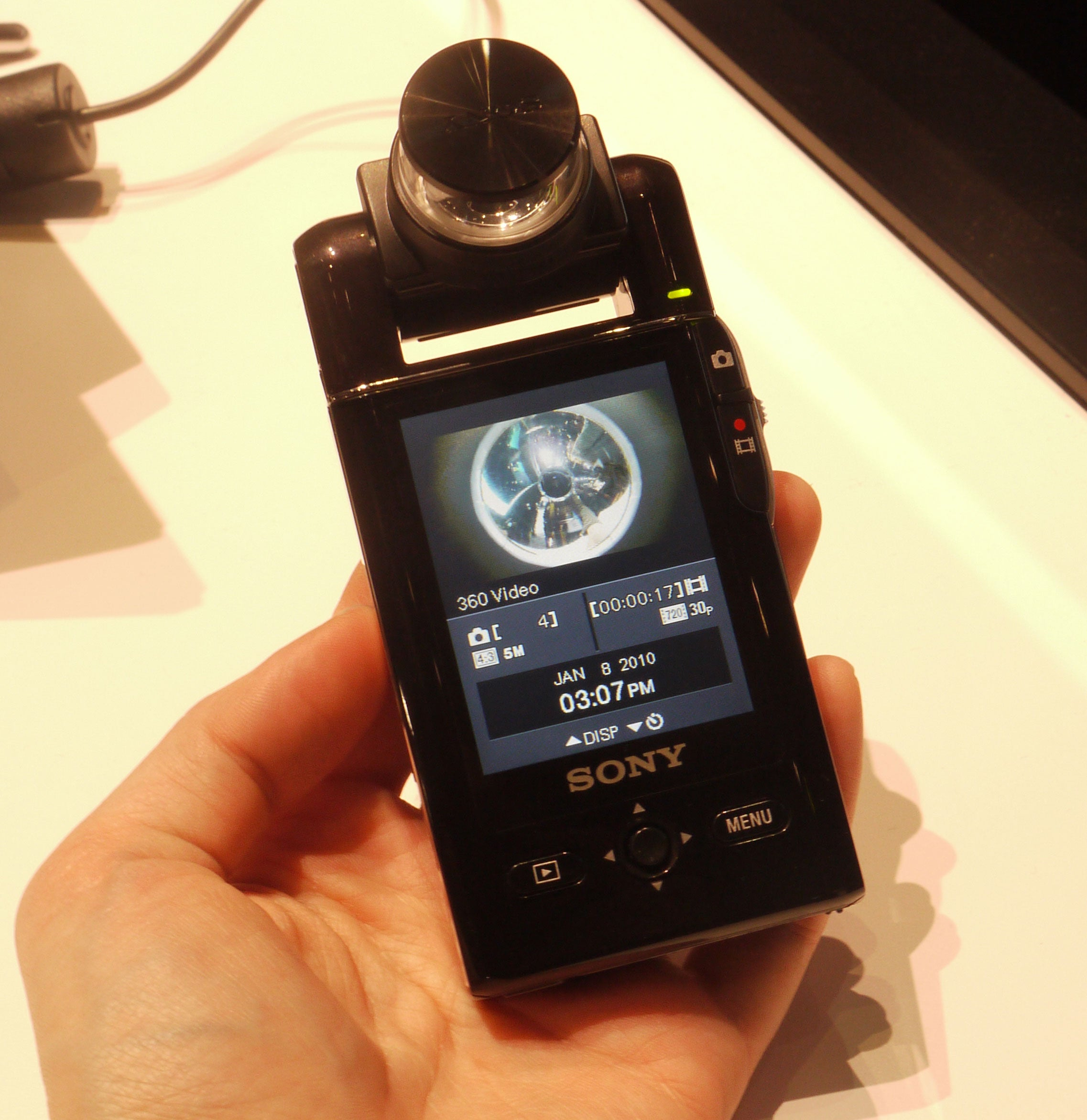 Sony's Flip Competitor Spins 360-degree Footage