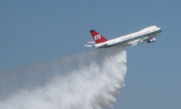 Firefighting 747 Supertanker Dumps 20,500 Gallons of Water from 500 Feet Up