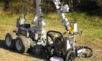 A New Robot Dismantles Pipe Bombs While Leaving Forensic Evidence Intact