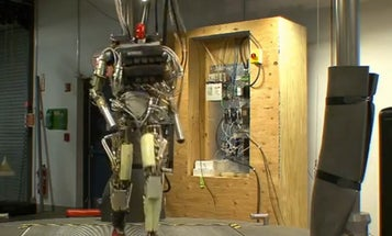 Video: Humanoid Robot Petman Works Out