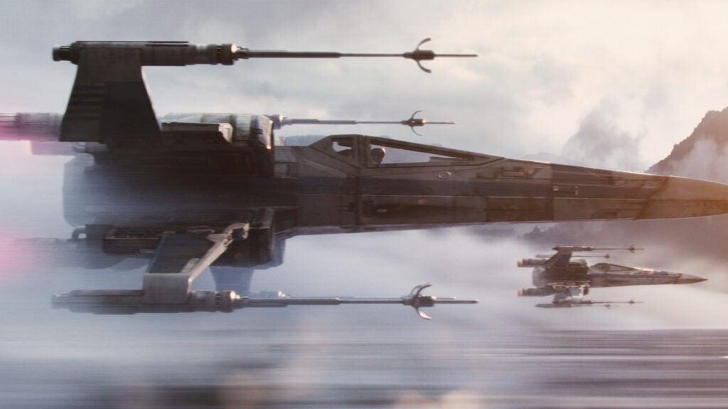 *Star Wars* Match: X-Wing Starfighter T-70 Model