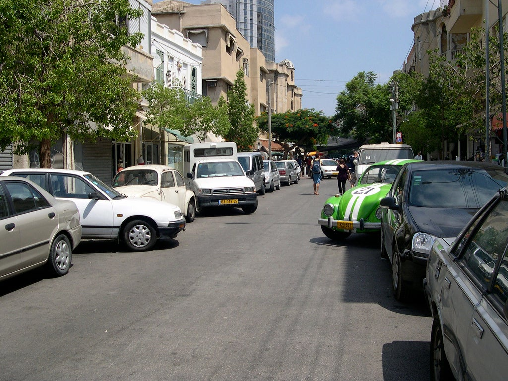 To Save Fuel, Cars Will Drop Off Drivers, Then Search For Parking Spaces on Their Own