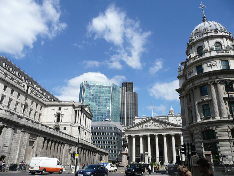 UK Government Plans to Monitor Social Networks, Chatrooms, and Online Games