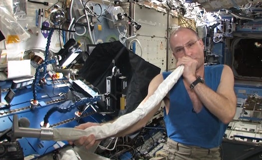 Video: Astronaut Don Pettit Plays Space Station Vacuum Cleaner As Didgeridoo