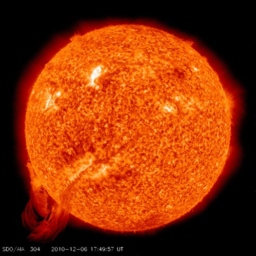 Video: SDO Observatory Captures Another Beautiful, Gigantic Solar Storm
