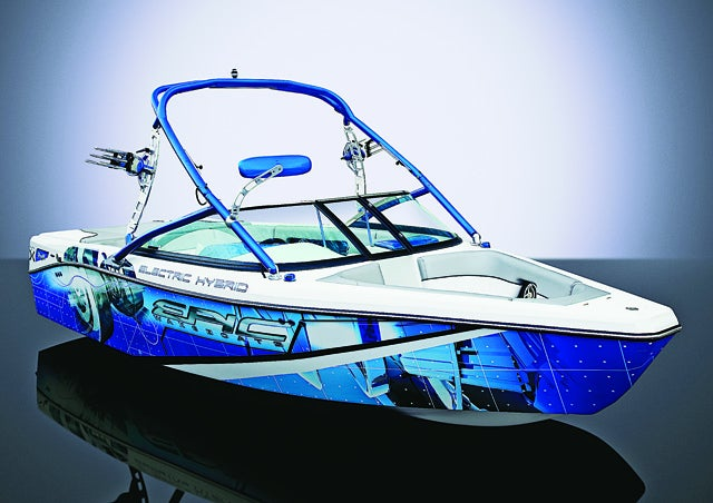 The First Hybrid Sport Boat Cruises With More Peace, Less Pollution