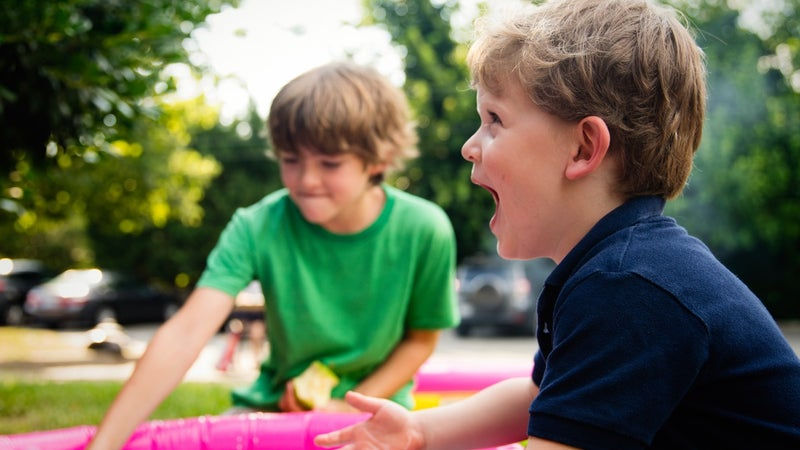10 kid-friendly DIY projects you can enjoy outdoors