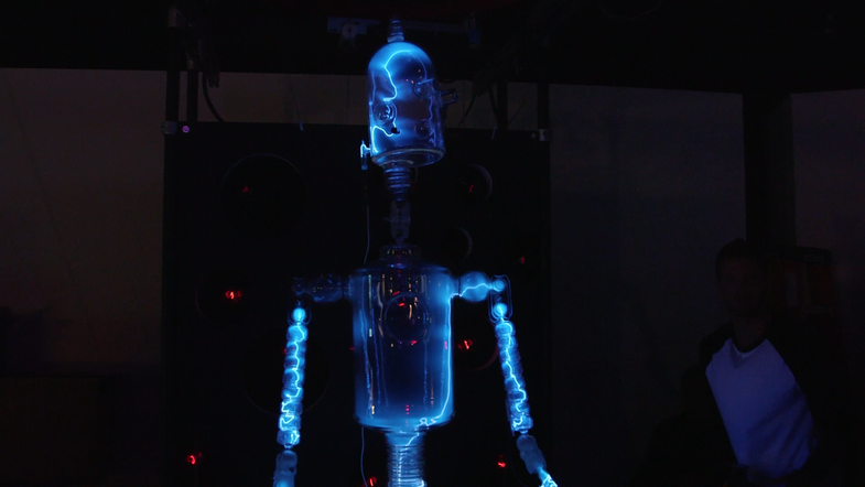 Maker Faire: This Plasma-Filled Glass Robot Can Dance