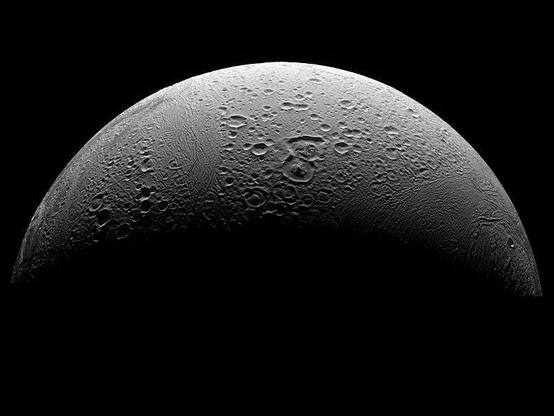 Strongest Evidence Yet that Saturn's Moon Has Liquid Water