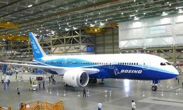 787 Dreamliner's First Flight Delayed Yet Again