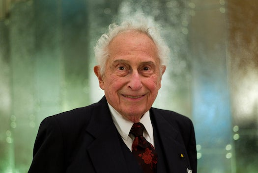 Late Electronics Maverick Stanford R. Ovshinsky In The Pages Of PopSci