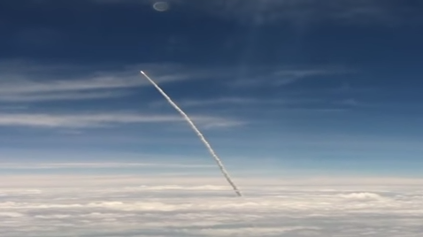 Video: A Rocket Launch As Seen From An Airplane