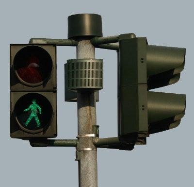 """Johannesburg Thieves Raid Traffic Lights for SIM Cards, Yielding Free """"Burners"""""""