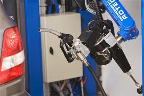 A Full-Service Fillup, Via Robot