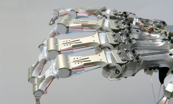 Video: Scientists Smash a Super-Tough Robotic Hand With a Hammer
