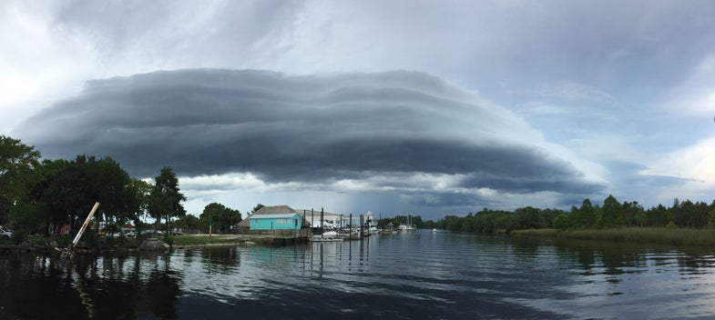 Volutes cloud on a lake