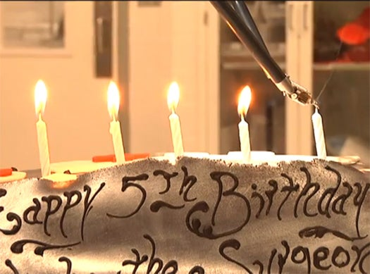 Video: DaVinci Surgery Robot Celebrates Its Fifth Birthday