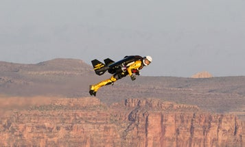 Amazing Video: 'Jetman' Yves Rossy Makes First U.S. Flight, Cruising Above the Grand Canyon at 190 MPH