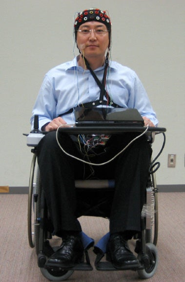 Toyota Demonstrates a Wheelchair Controlled With Brain Waves