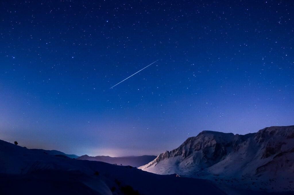 geminid meteor over snow