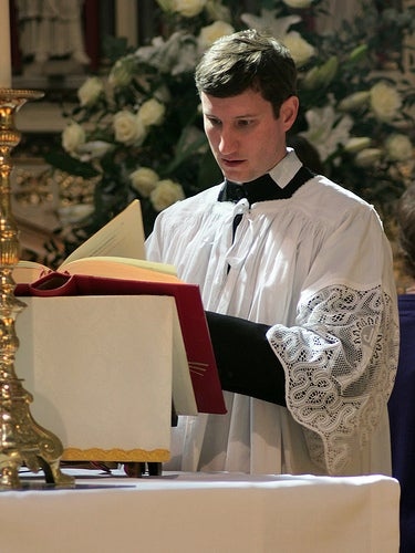 Vatican Consultant Develops Mass App to Let Priests Use iPads at the Altar