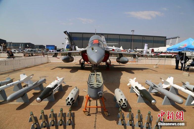 L-15 JL-10 jet fighter trainer