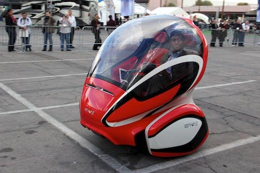 Test Drive: GM's EN-V Electric Transporter, Half a Smart Car On a Segway Base