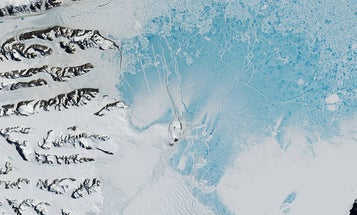 That giant crack in Antarctica just keeps getting bigger
