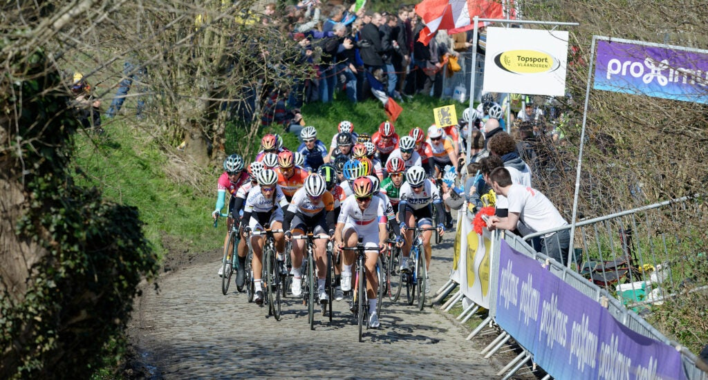 women competing in Tour of Flanders in 2015