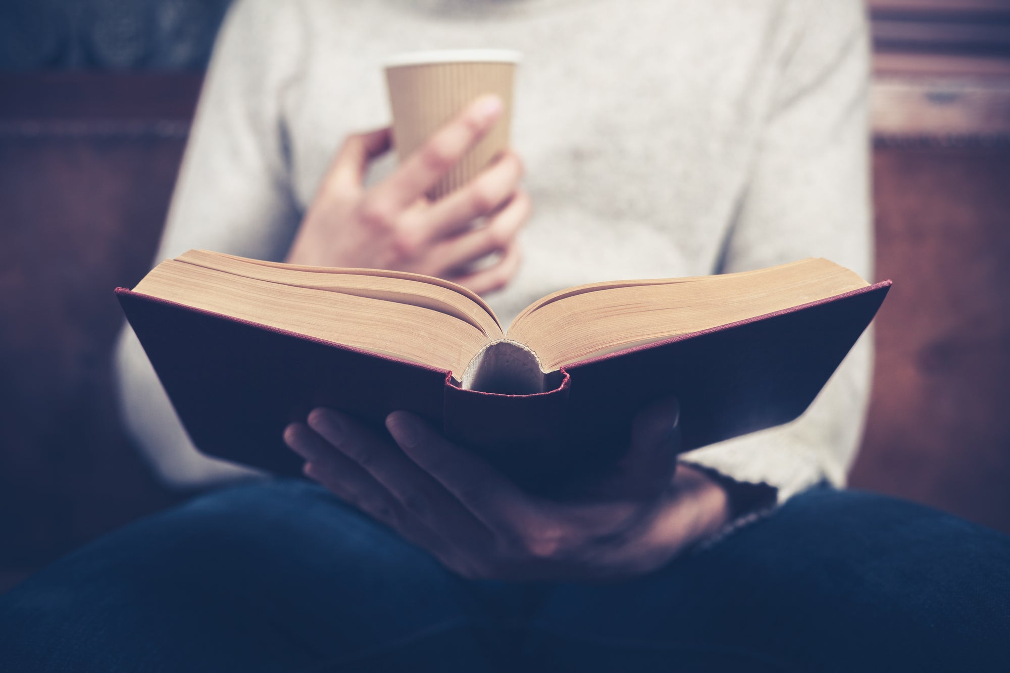 'Speed reading' isn't real, but you can still train yourself to read faster