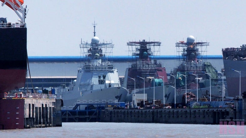New Chinese 052D Destroyers, 3 In A Row At A Shipyard