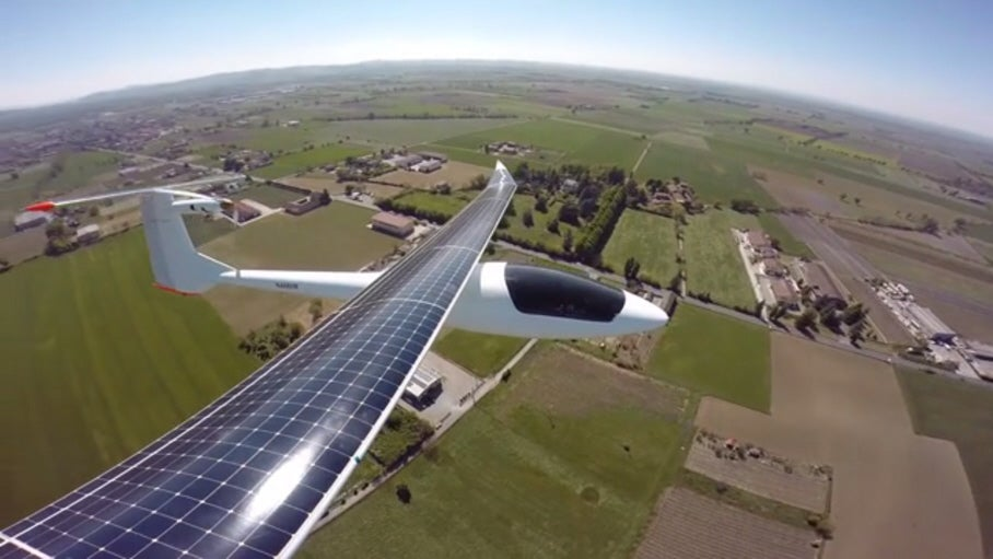 Watch A Solar Plane Fly Over Milan Countryside [Video]