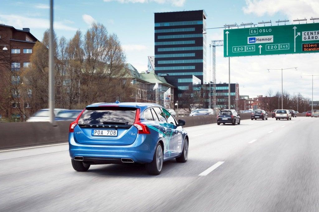 httpswww.popsci.comsitespopsci.comfilesimages201510volvo-drive-me-autonomous-car-pilot-project-in-gothenburg-sweden_100465416_l.jpg