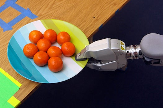 Watch PR2 Robot 'Learn' How To Smartly Position An Unstable Object