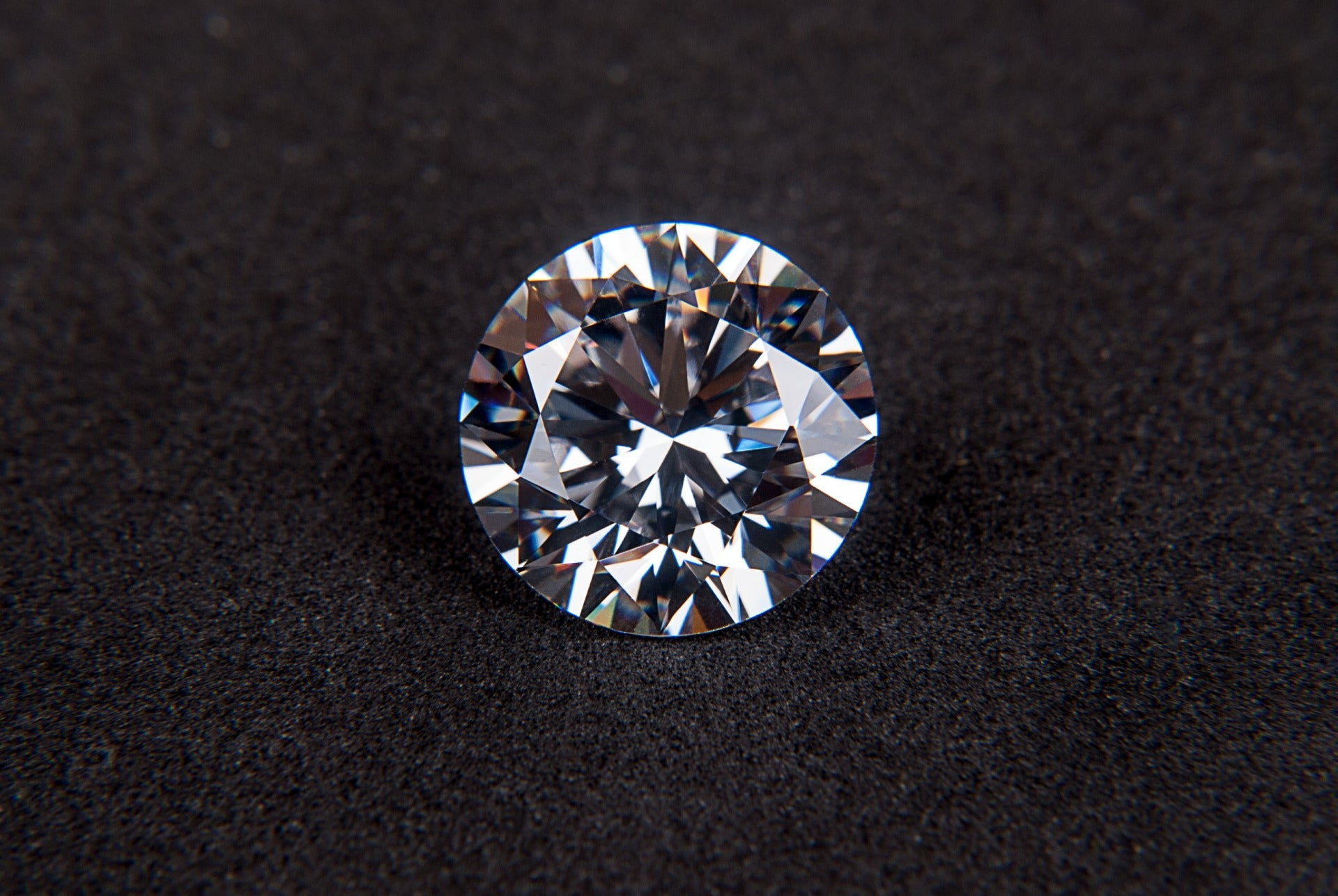 Fake diamonds helped scientists find the hottest temperature ever recorded on Earth