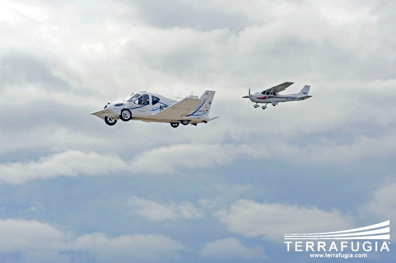 Terrafugia Flying Car Approved by FAA, Will Be Available Next Year