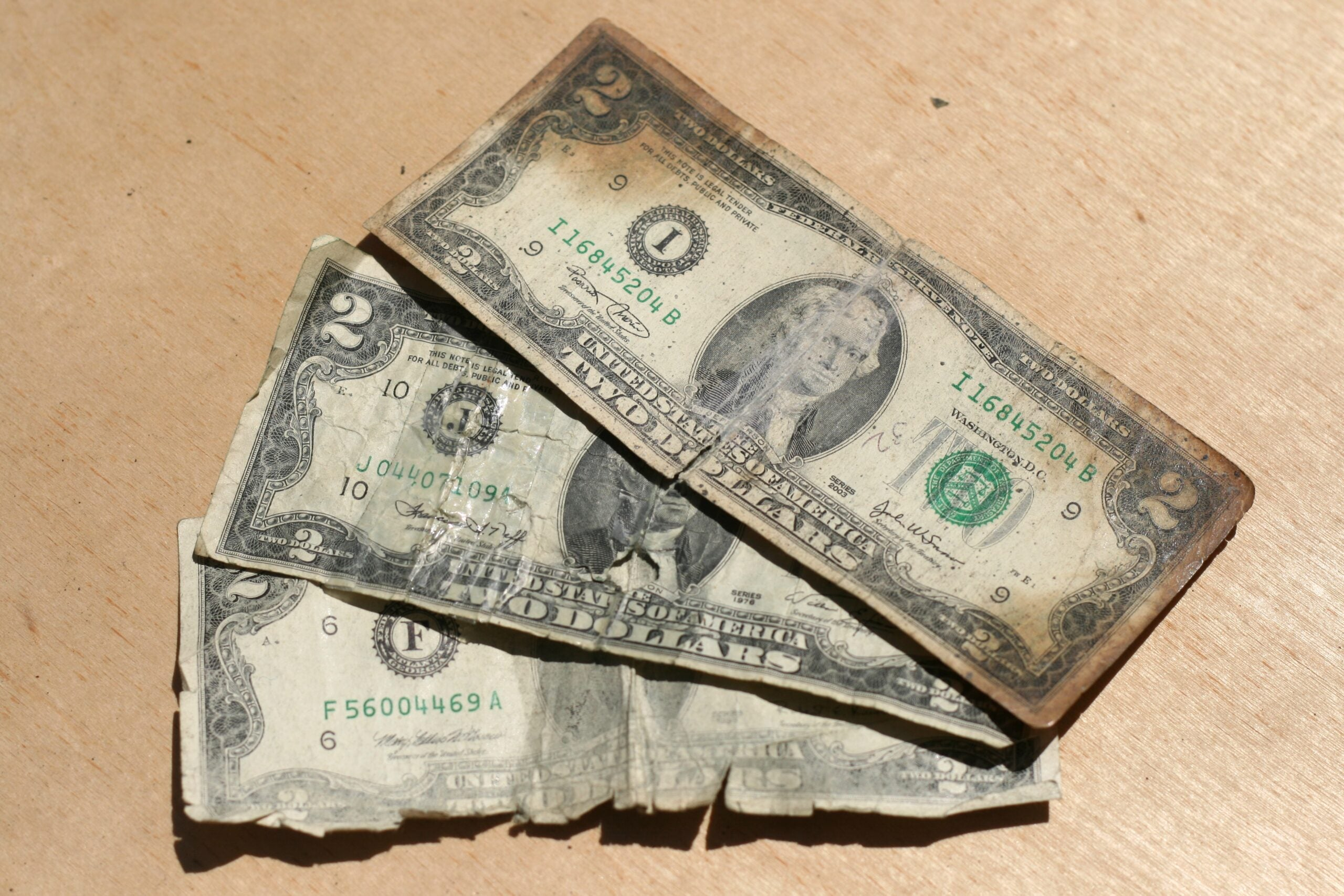 Washing Dollar Bills With Carbon Dioxide Could Save Billions