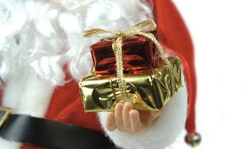 FYI: How Long Would It Take Santa To Deliver Presents To Every Kid On Earth?
