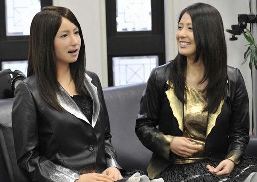 Japanese Geminoid F Bot Realistically Mimics Human Facial Expressions, Speech