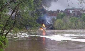Lynchburg Train Derailment Lit James River On Fire [Video]