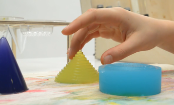 Video: French Electronic Musical Jello
