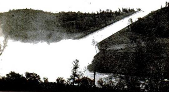 Oroville dam spillover