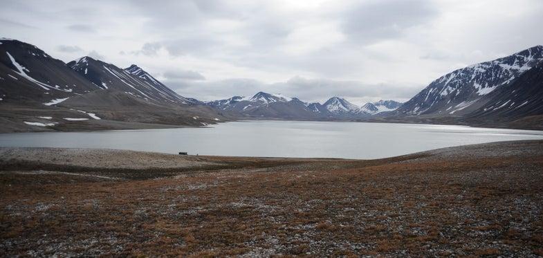 Lake Linnevatnet, Spitsbergen, Svalbard